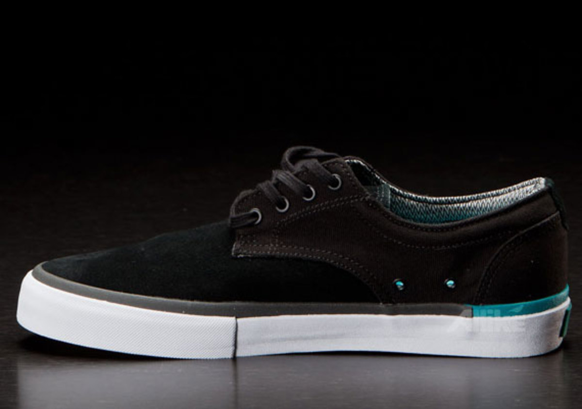 vans-syndicate-derby-available-09