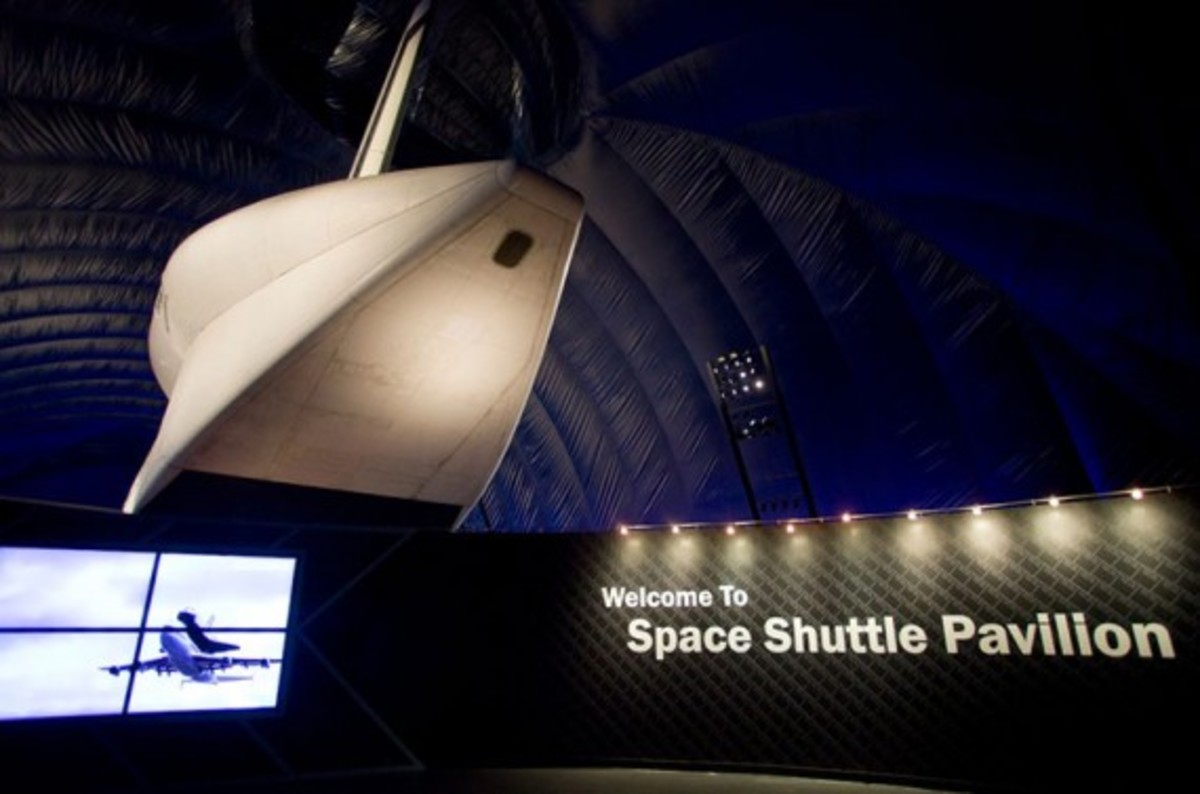 nasa-space-shuttle-enterprise-pavilion-02