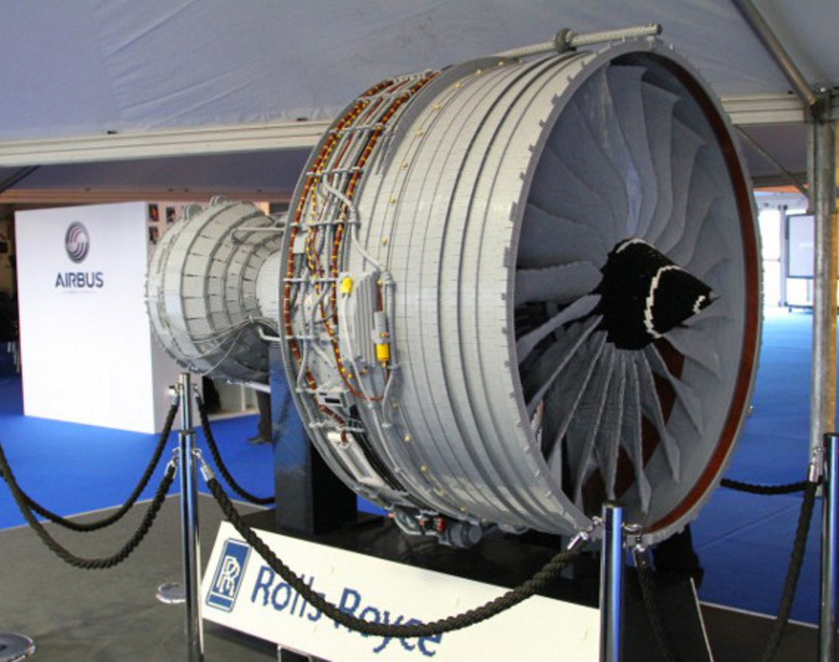 rolls-royce-lego-jet-engine-01