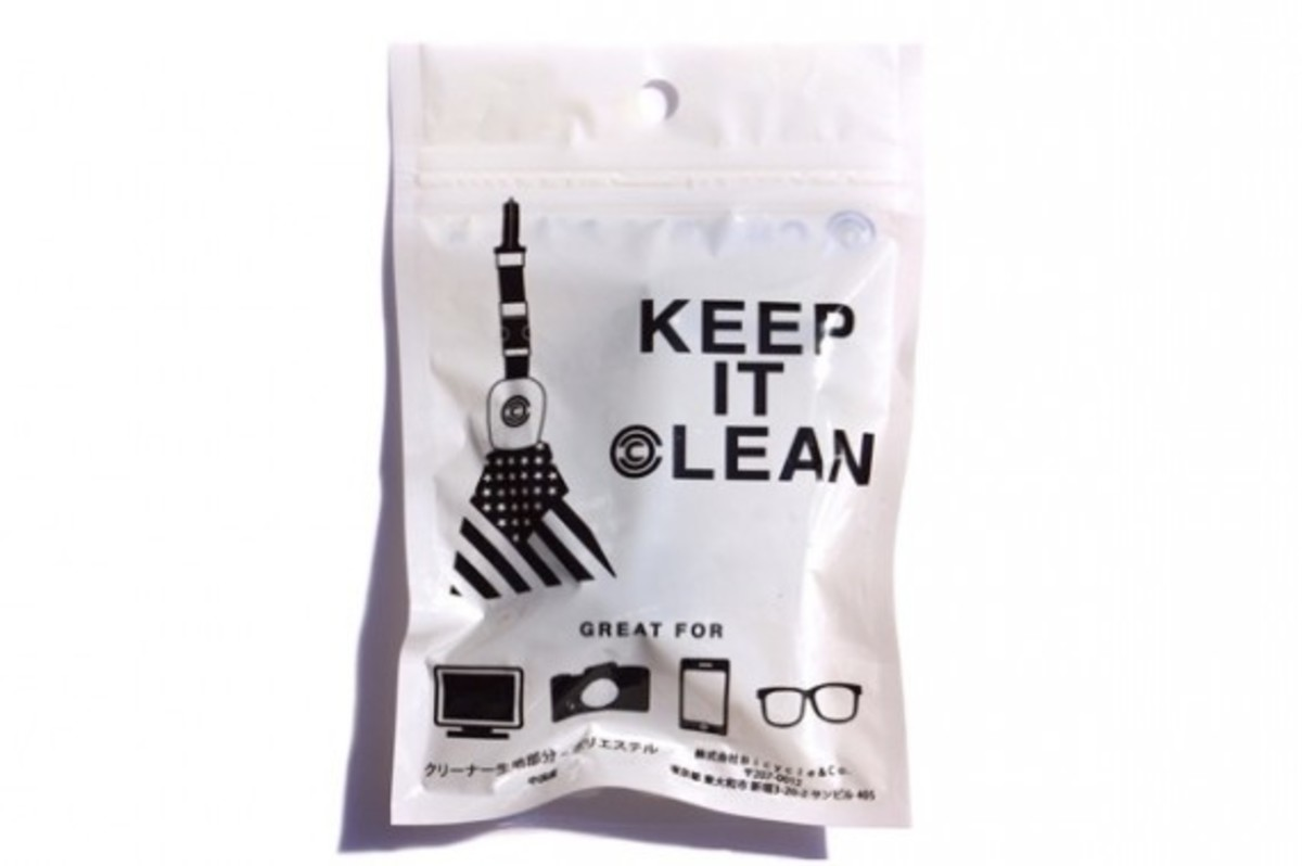 chari-and-co-american-flag-lens-cleaner-07