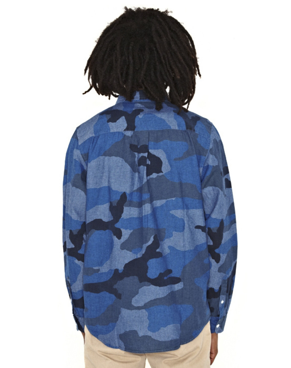 stussy-camo-chambray-shirt-02