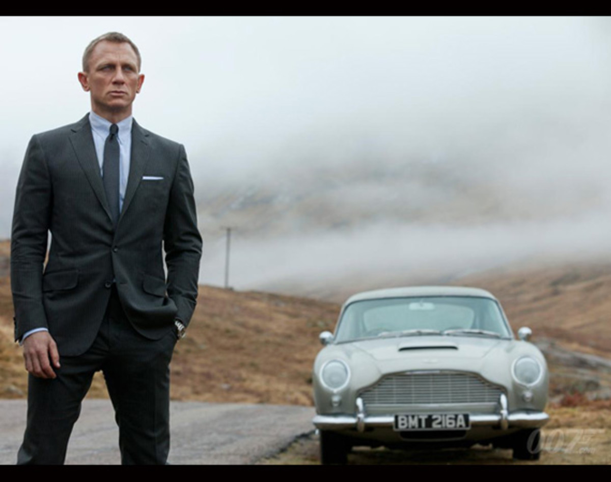 james-bond-007-skyfall-aston-martin-db5-00
