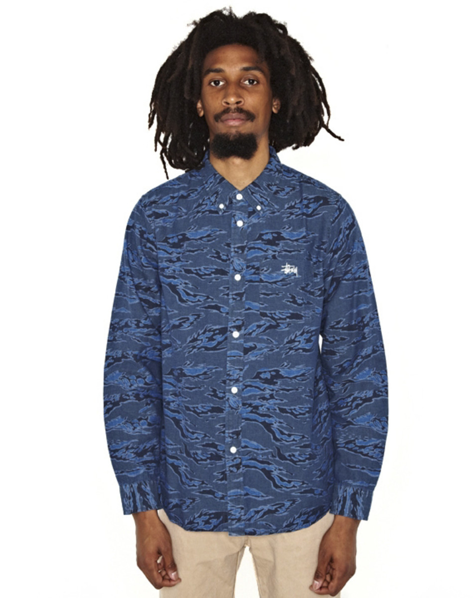stussy-camo-chambray-shirt-04