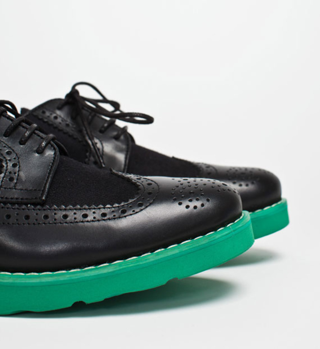 comme-des-garcons-shirt-the-generic-man-fall-2012-footwear-collection-16