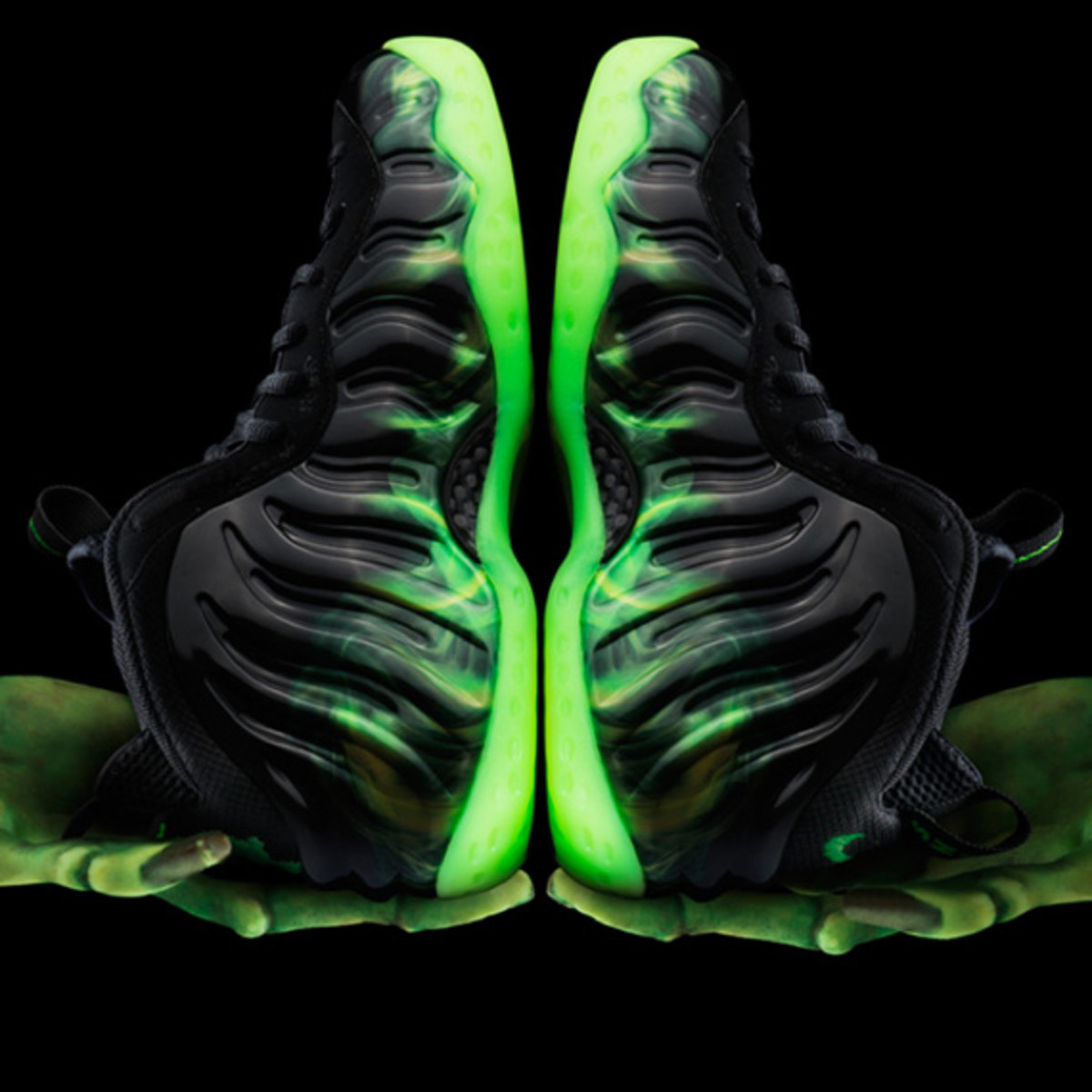 nike-air-foamposite-one-paranorman-07