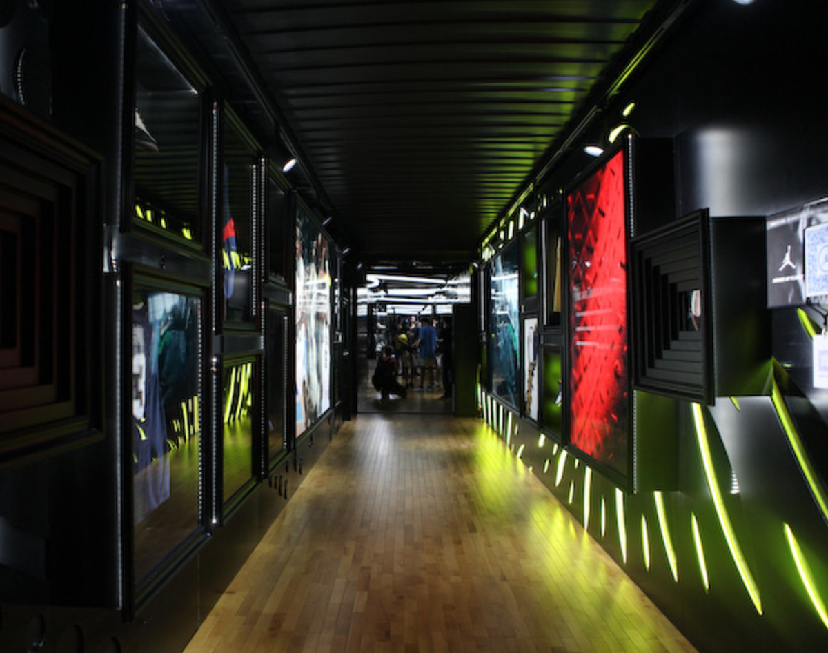 2012-nike-festival-of-sport-house-of-flight-3