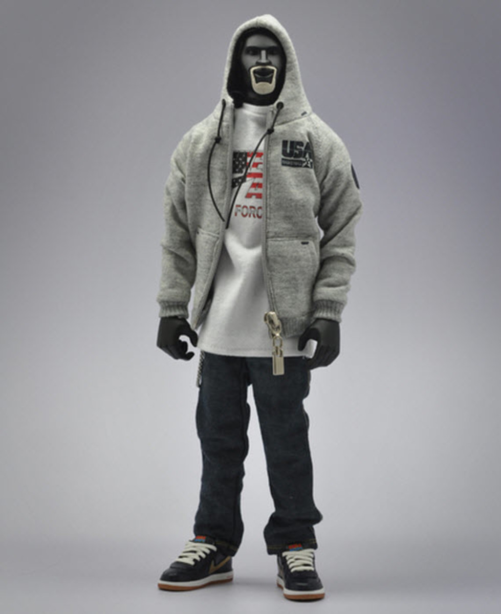 nike-sportswear-x-coolrain-relive-the-dream-dream-team-figures-10