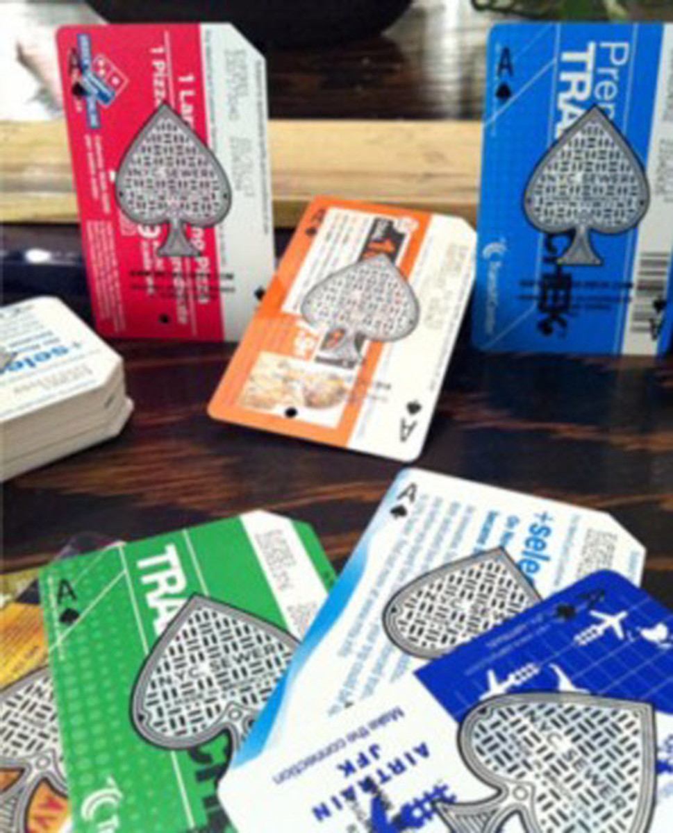 metrodeck-upcycled-playing-cards-using-old-nyc-metro-cards-6