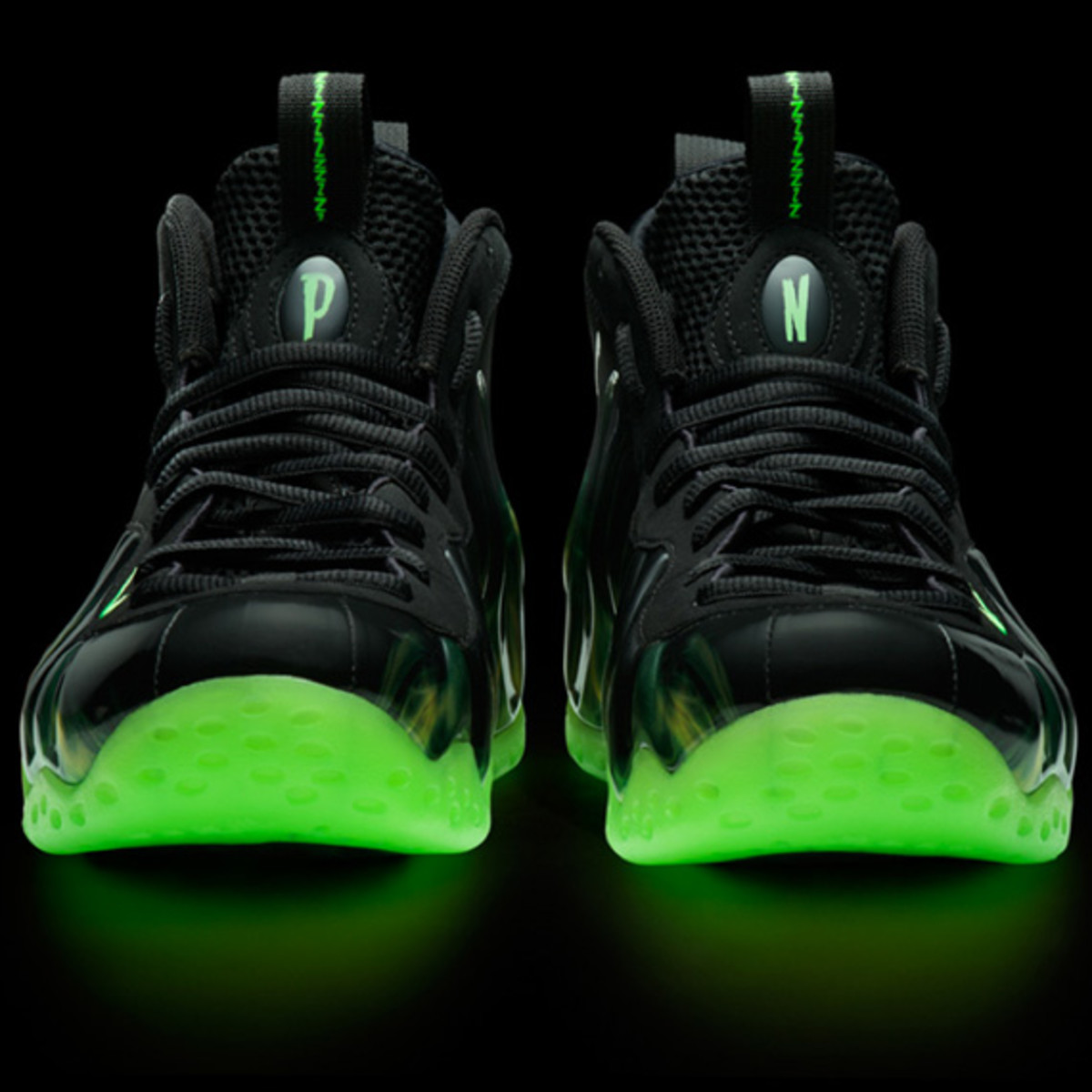 nike-air-foamposite-one-paranorman-03