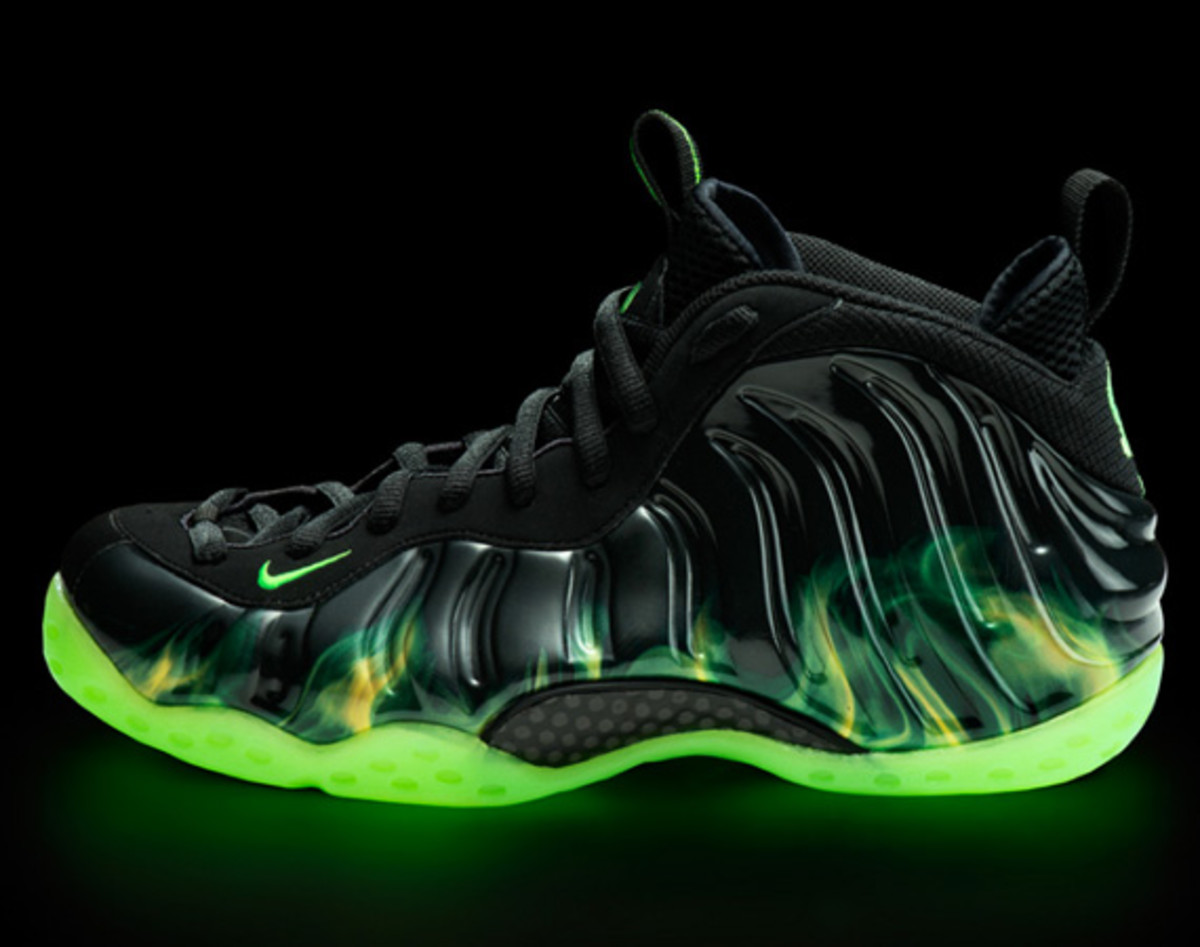 nike-air-foamposite-one-paranorman-01
