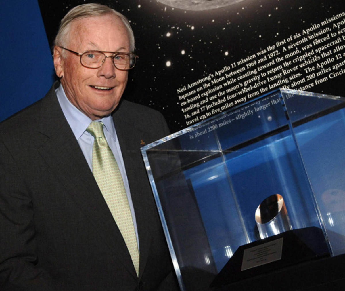 neil-armstrong-first-man-on-the-moon-apollo-11-10