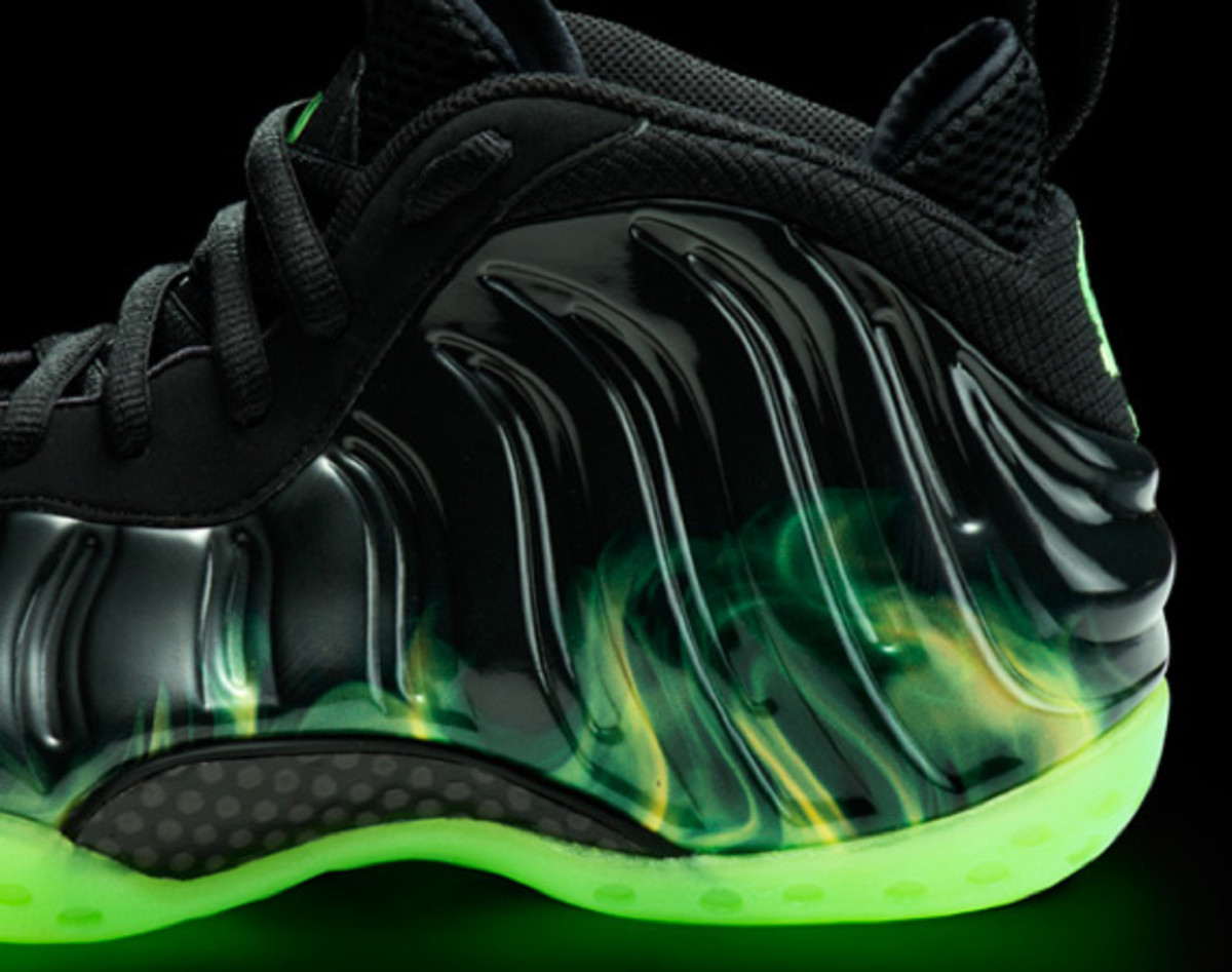 nike-air-foamposite-one-paranorman-02