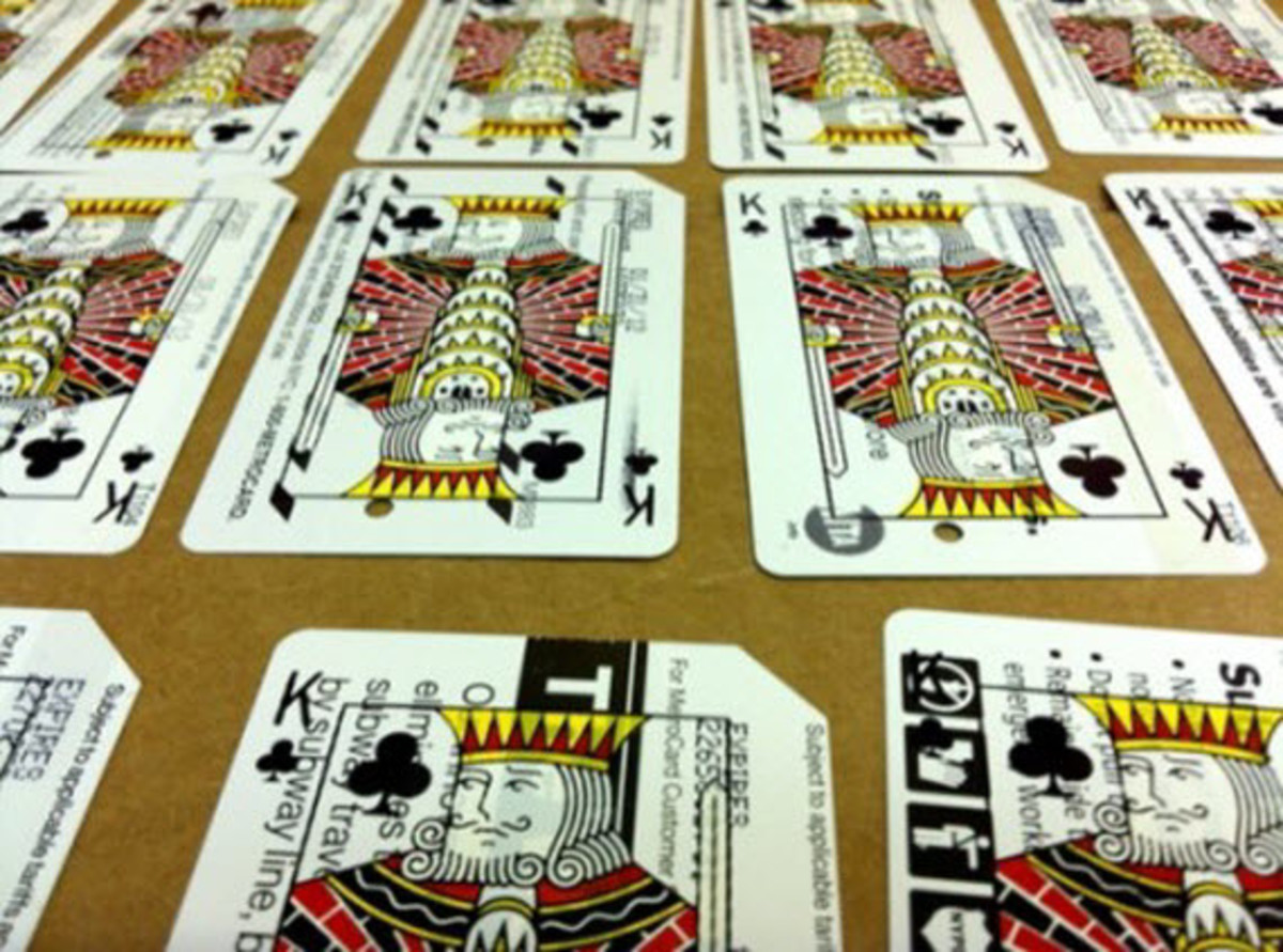 metrodeck-upcycled-playing-cards-using-old-nyc-metro-cards-3