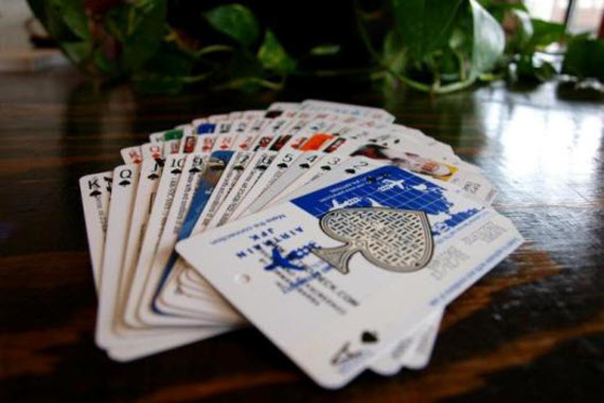 metrodeck-upcycled-playing-cards-using-old-nyc-metro-cards-9