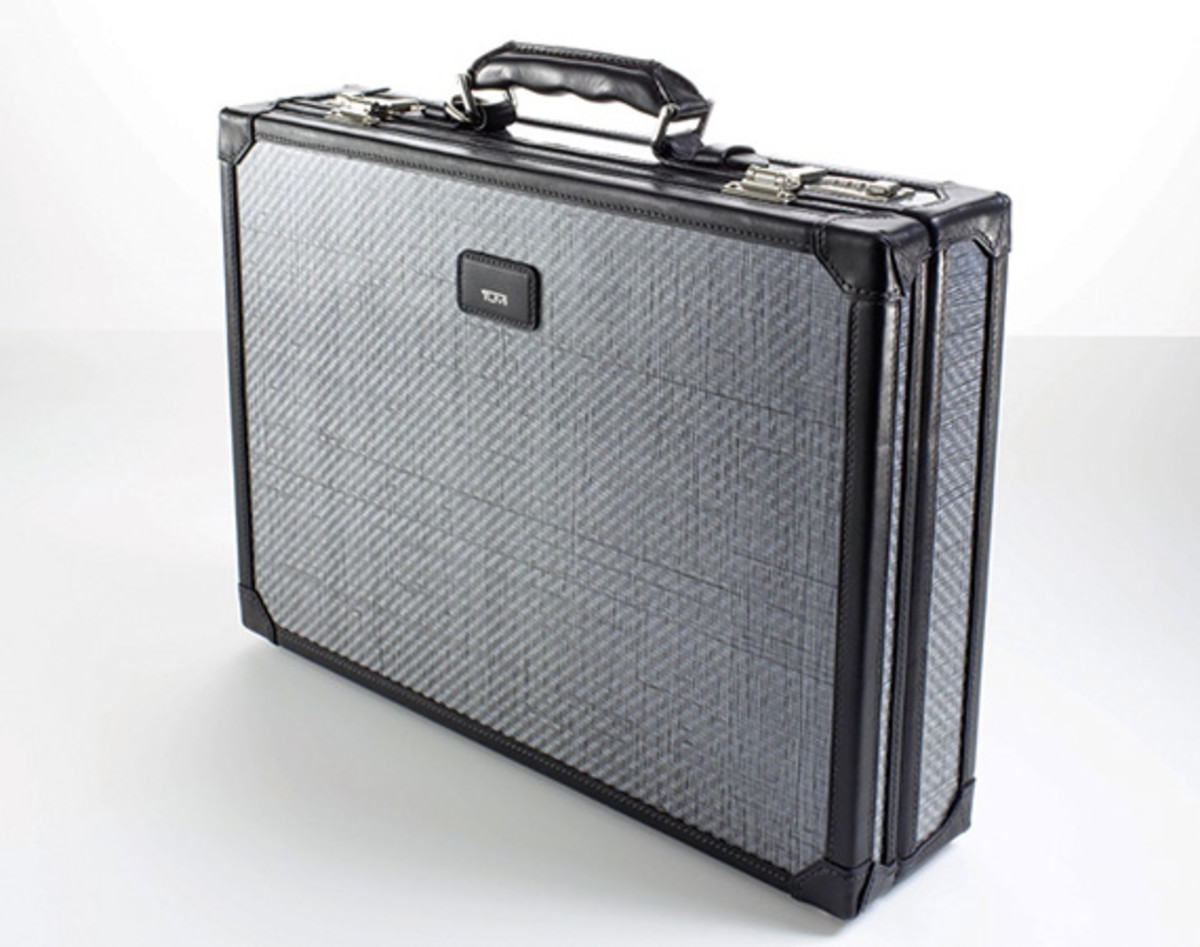 Tumi-Tegra-Lite-Bulletproof-Attache-Case-00