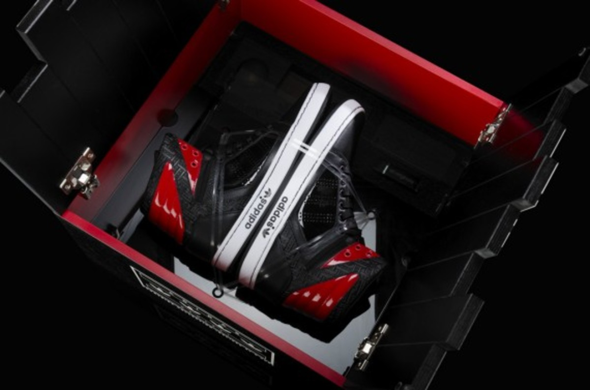 adidas-d-rose-courtside-collection-5