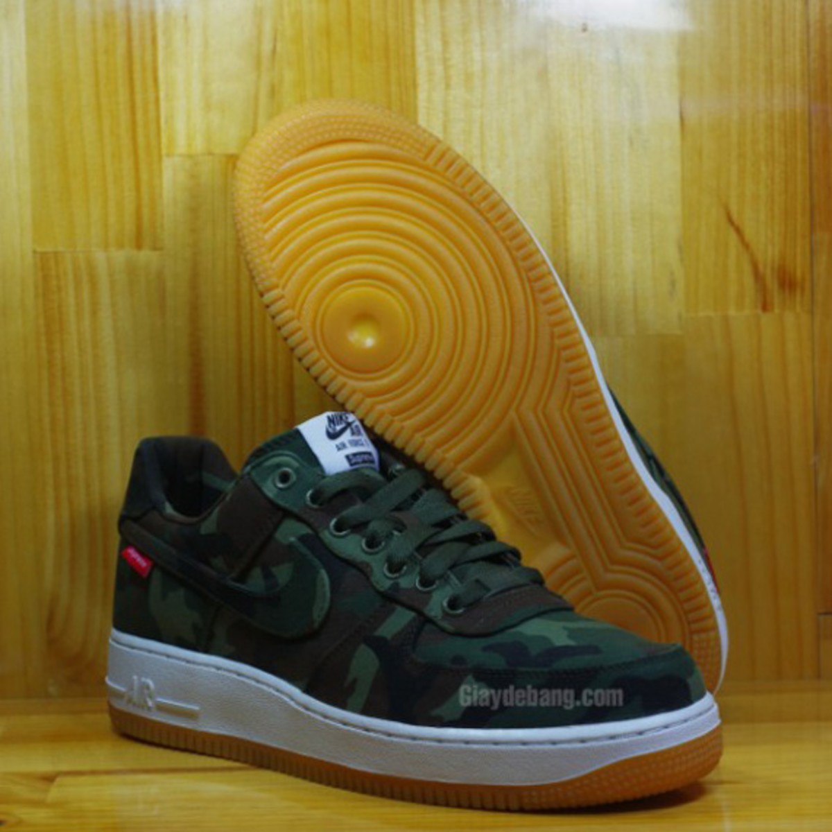 Supreme-Nike-Air-Force-1-Low-30th-Anniversary-Camo-01