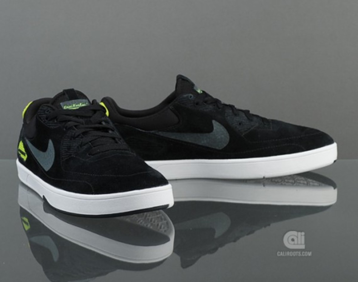 nike-sb-koston-x-heritage-inspired-by-nike-air-max-90-available-now-1