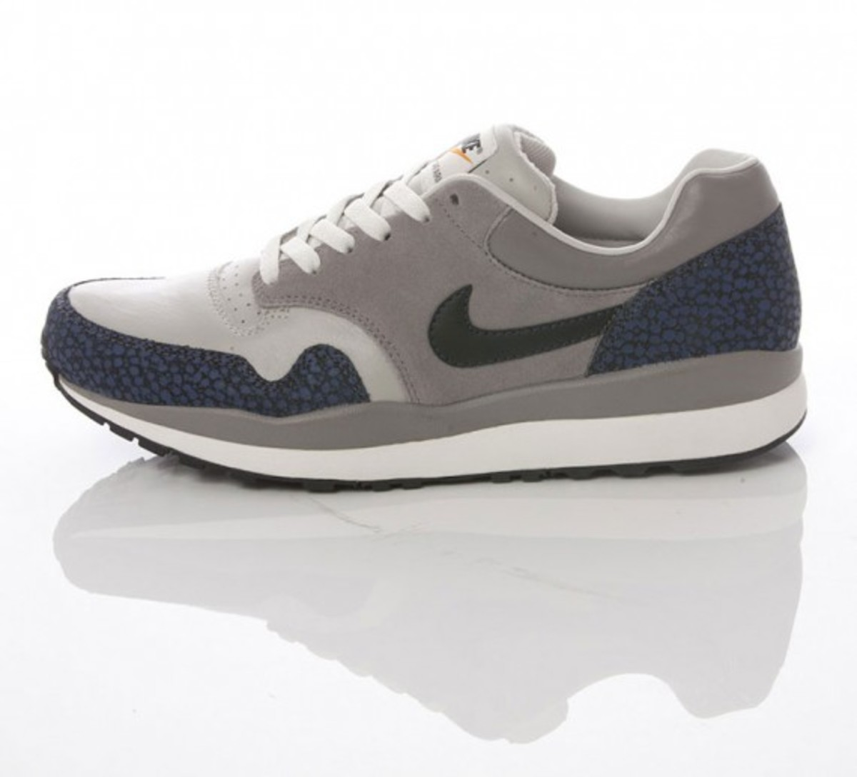 nike-sportswear-grey-navy-collection-19