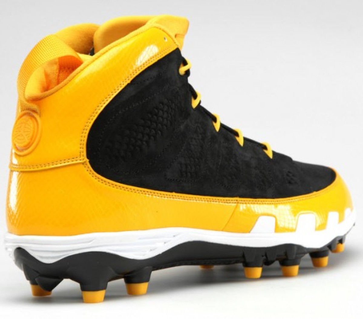 air-jordan-ix-nfl-cleats-collection-10