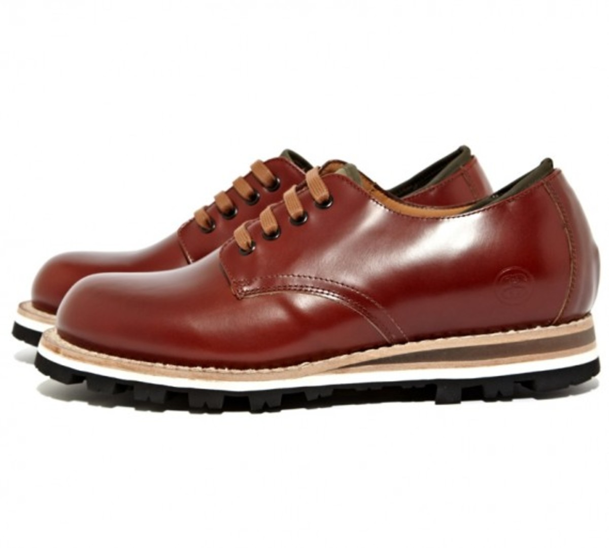 stussy-deluxe-be-positive-leather-shoes-01