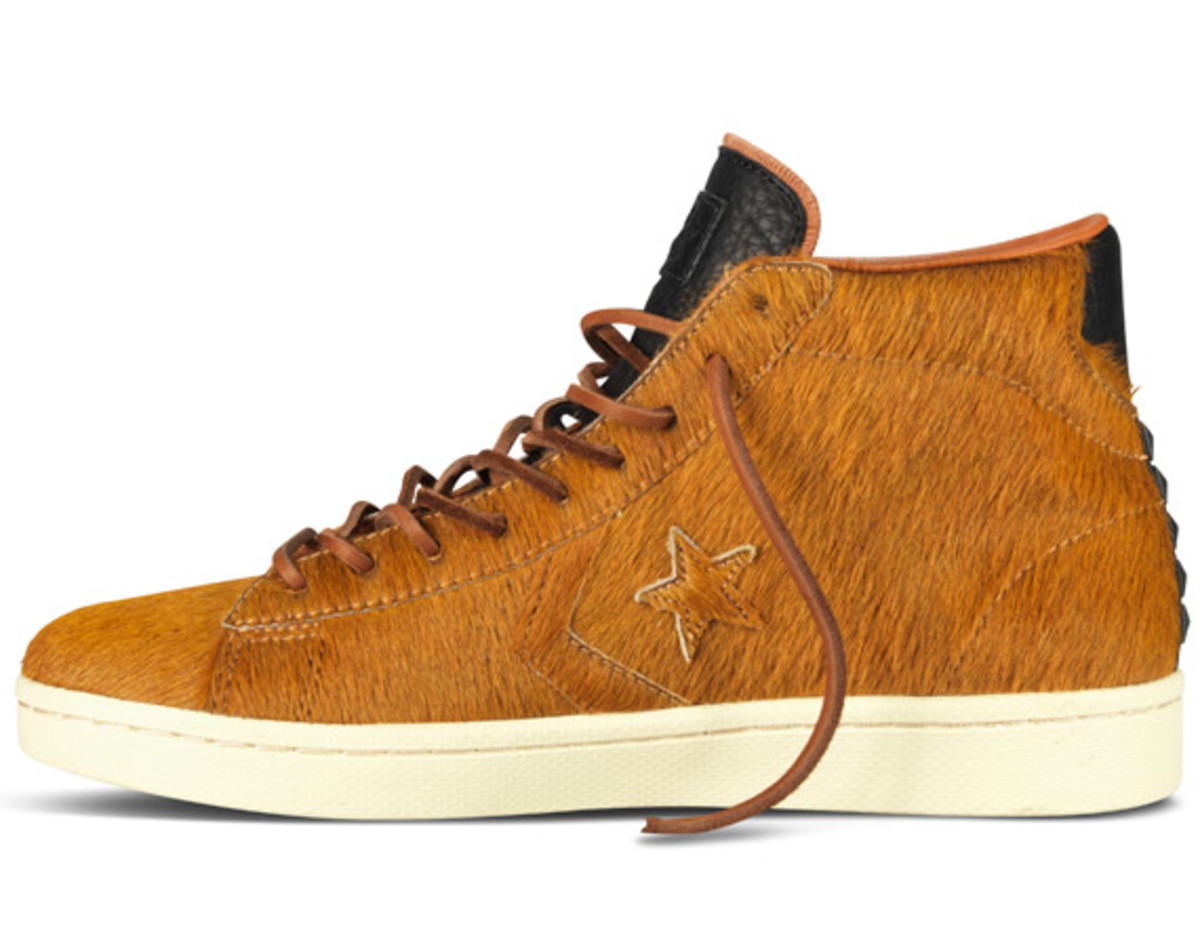 bodega-converse-first-string-pro-leather-holiday-2012-03