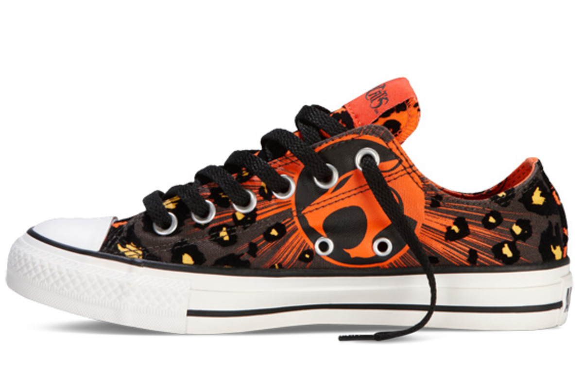thundercats-converse-chuck-taylor-all-star-ox-cheetara-134540c-03