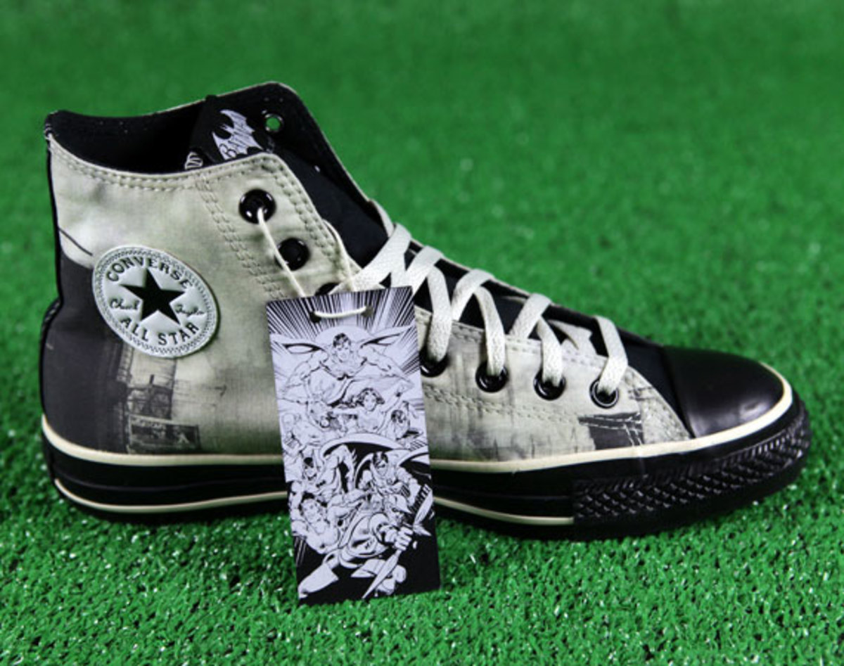 577995a3f6ff ... Design Your Own Batman  Arkham City Converse Chuck Taylor All Star to  launch tomorrow at Converse.com. ADVERTISEMENT. Release Date  November  15th