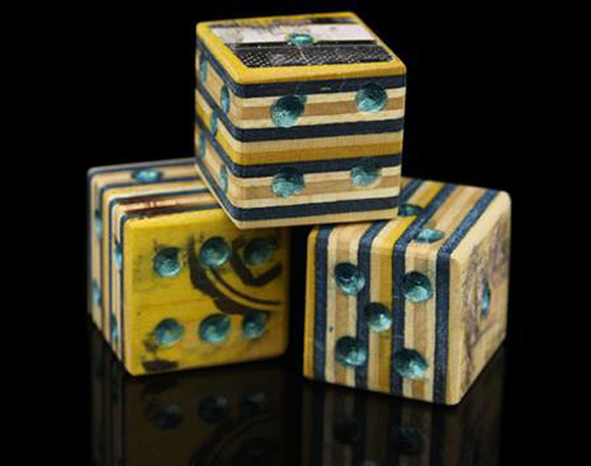 premiere-recycled-skateboard-dice-set-02