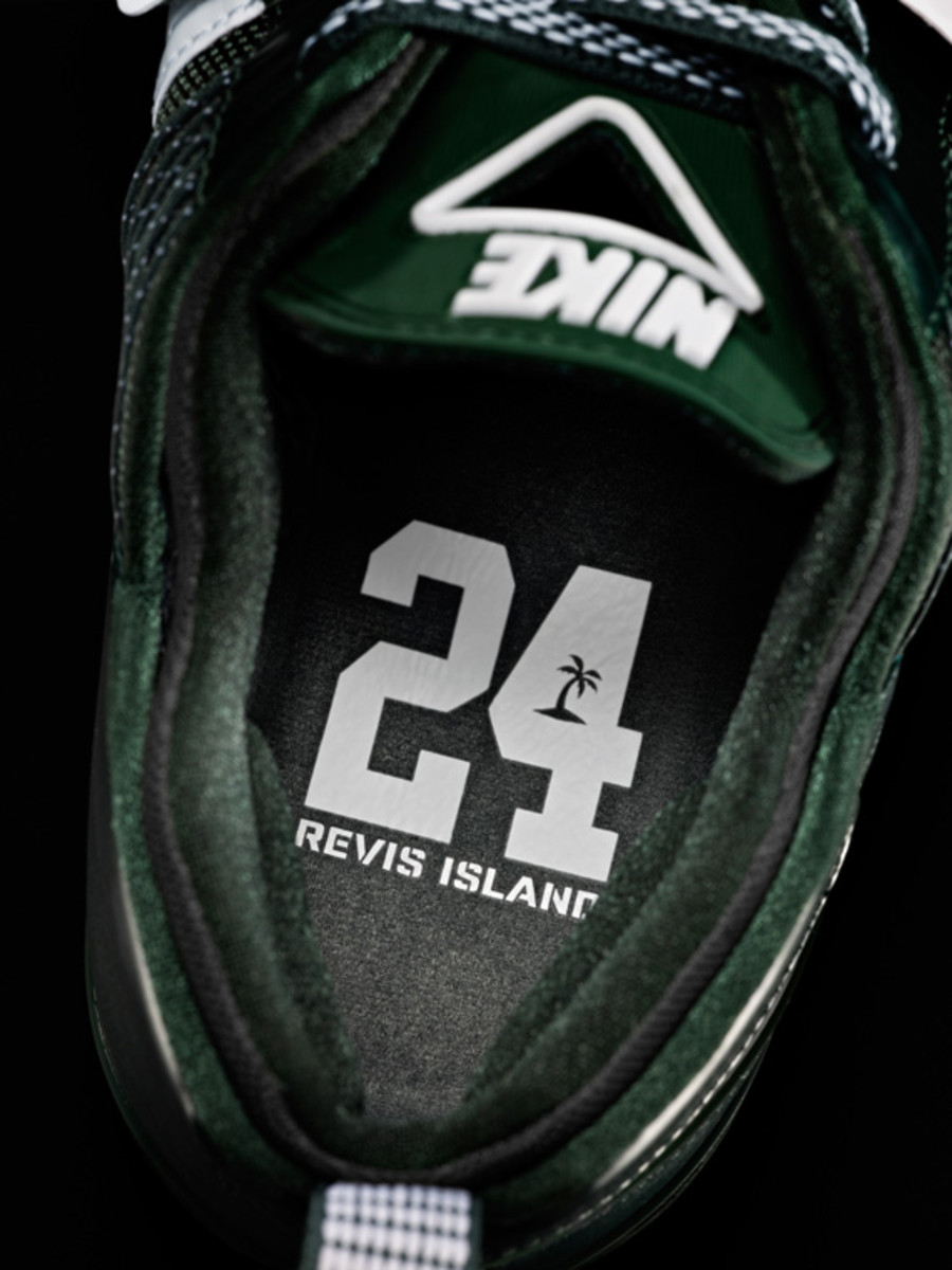 darrelle-revis-nike-zoom-revis-officially-unveiled-17
