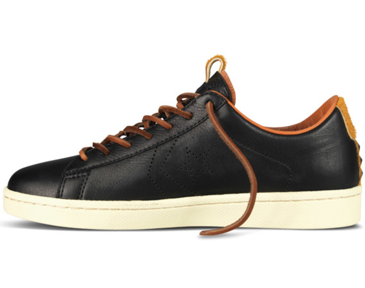 bodega-converse-first-string-pro-leather-holiday-2012-13