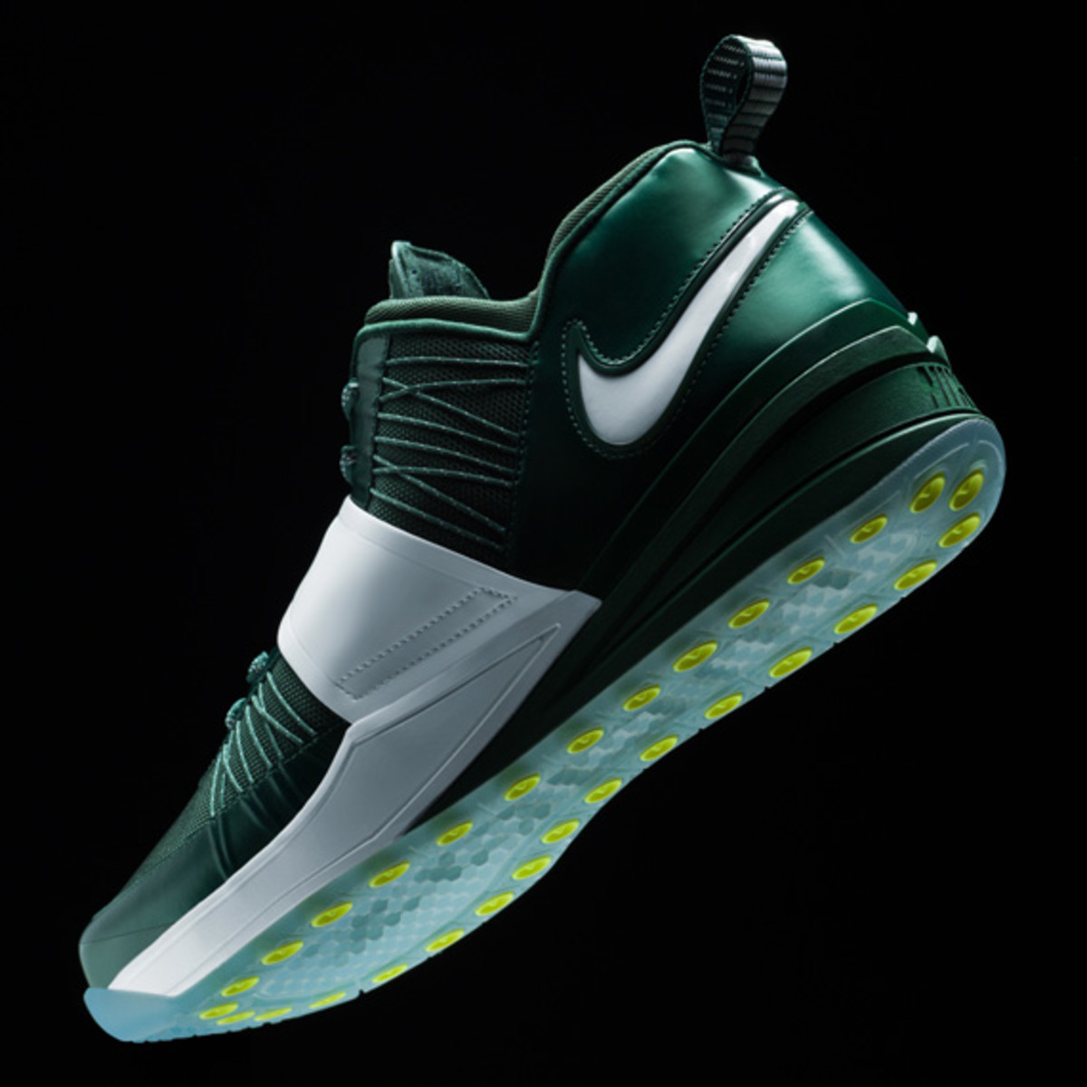 darrelle-revis-nike-zoom-revis-officially-unveiled-09