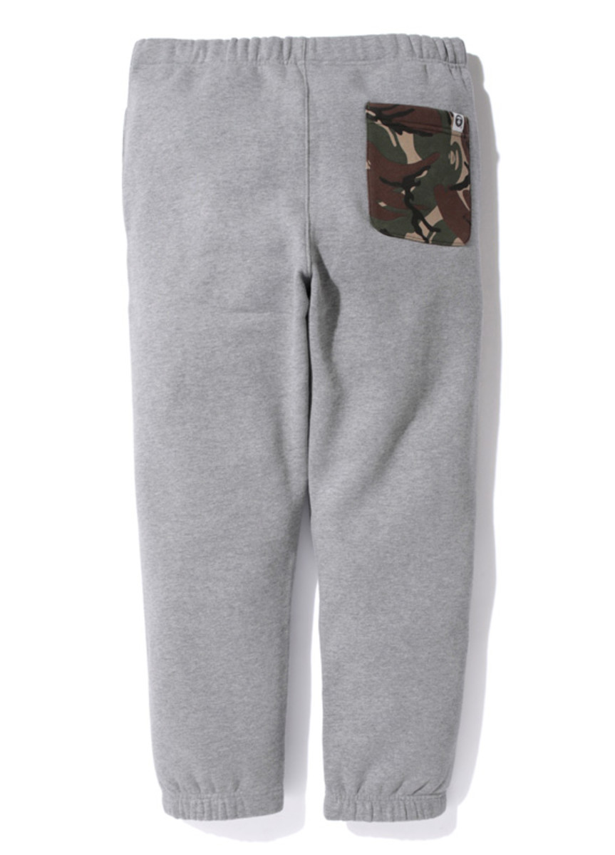 aape-footsoldier-union-sweat-pants-02