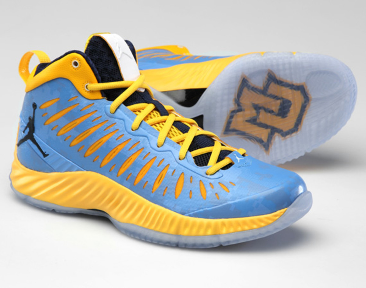 jordan-super-fly-marquette-digital-camouflage-editions-01