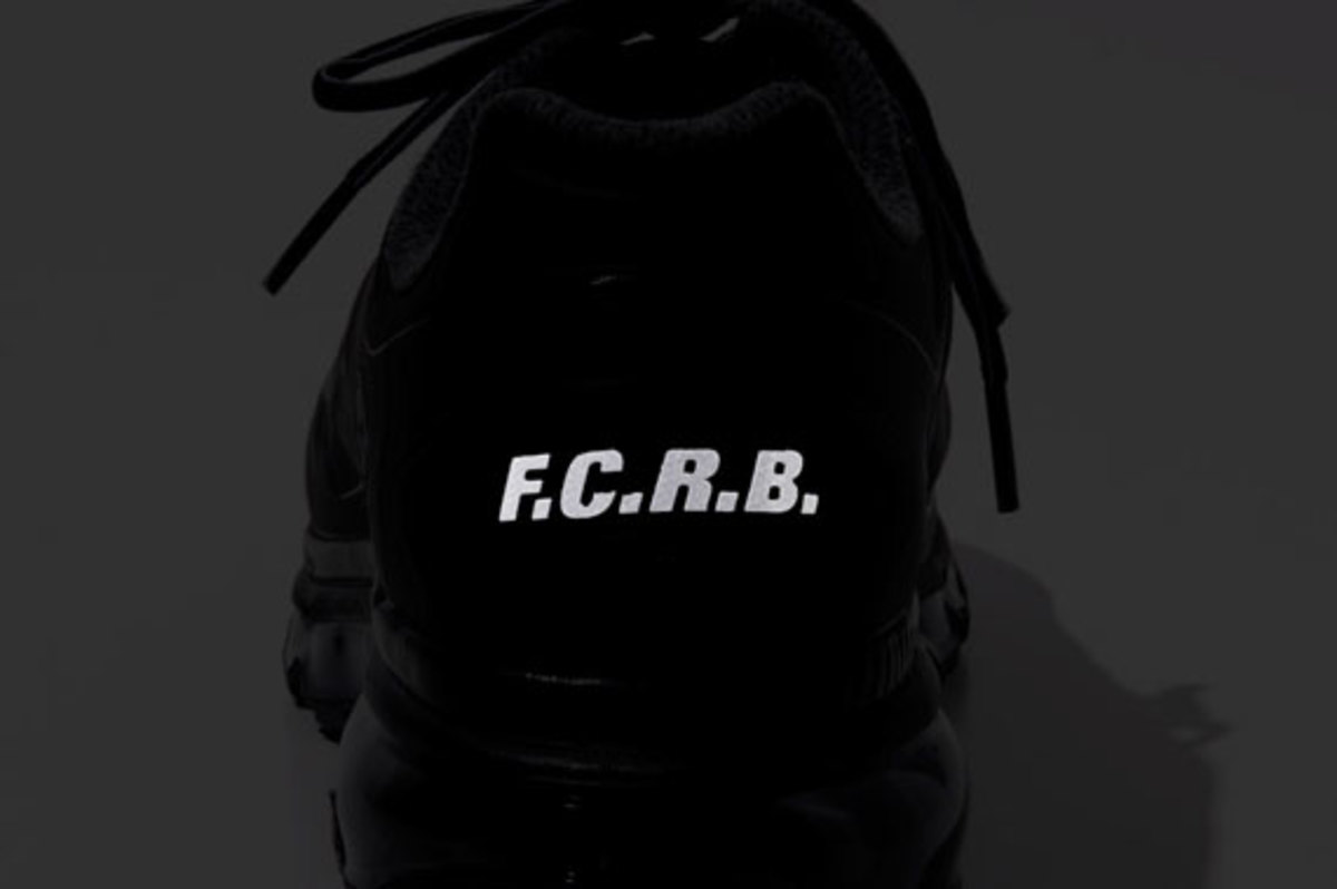 fcrb-nike-air-max-2012-with-mastermind-japan-04
