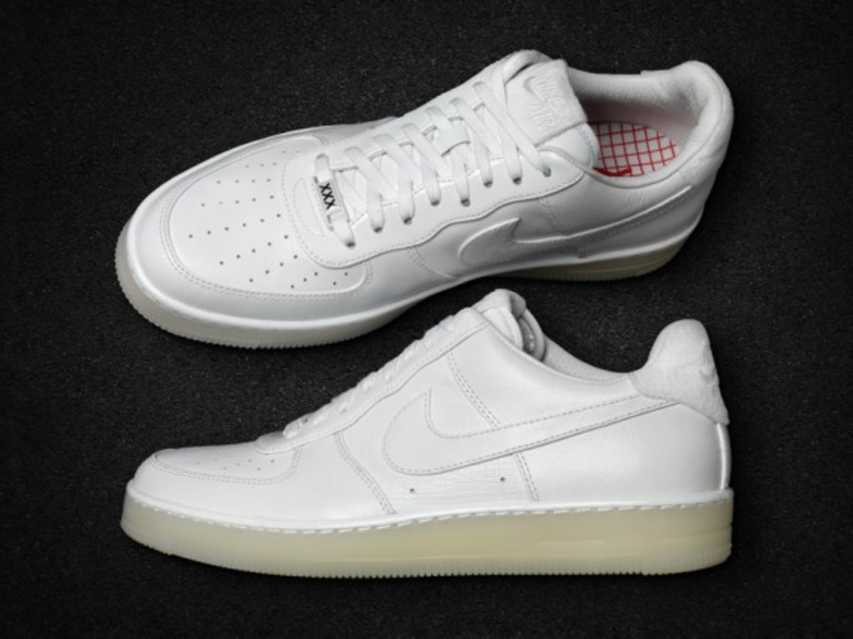 nike-air-force-1-family-of-force-downtown-16179