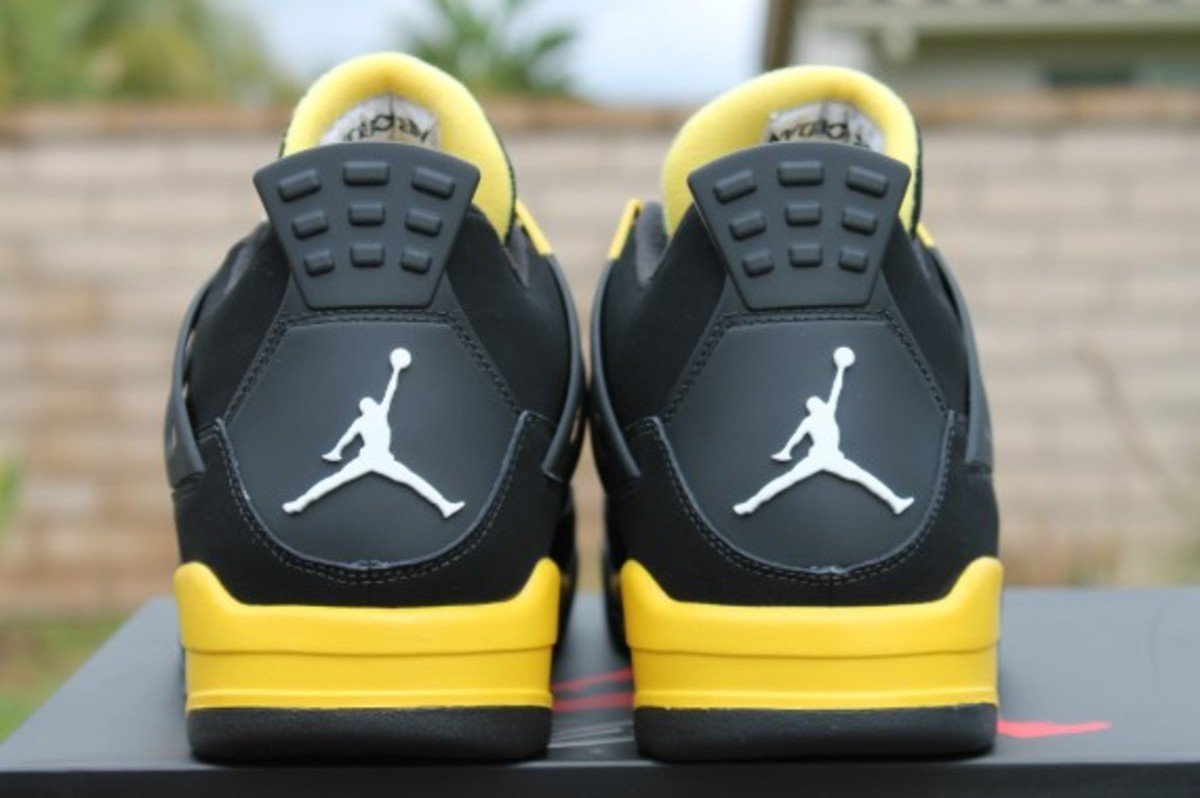 air-jordan-iv-thunder-release-reminder-308497-008-009