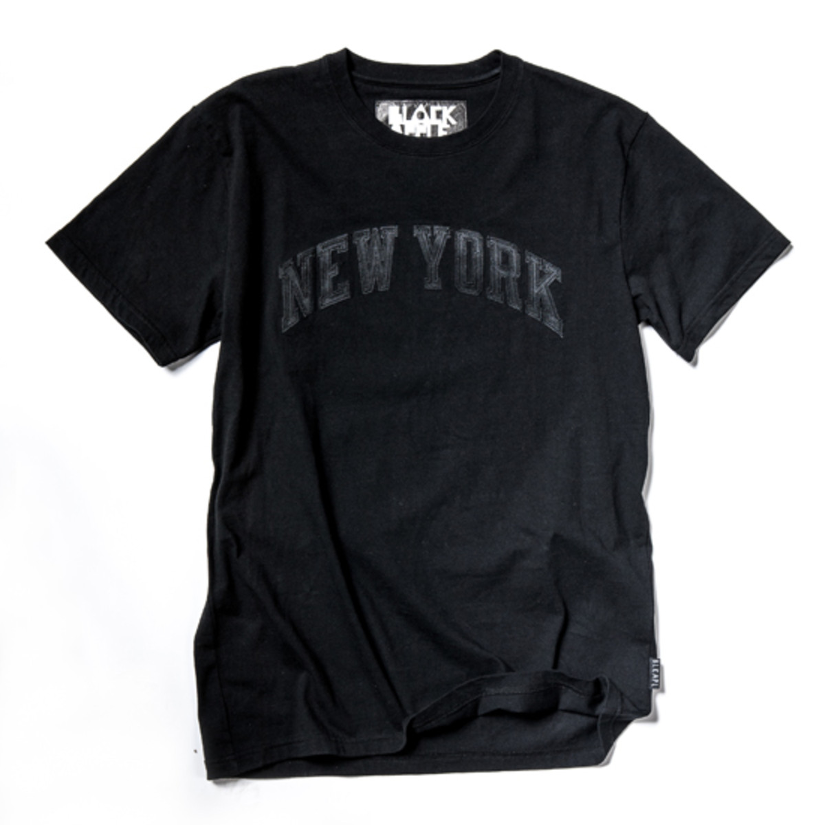 black-apple-x-new-york-knicks-collection-8