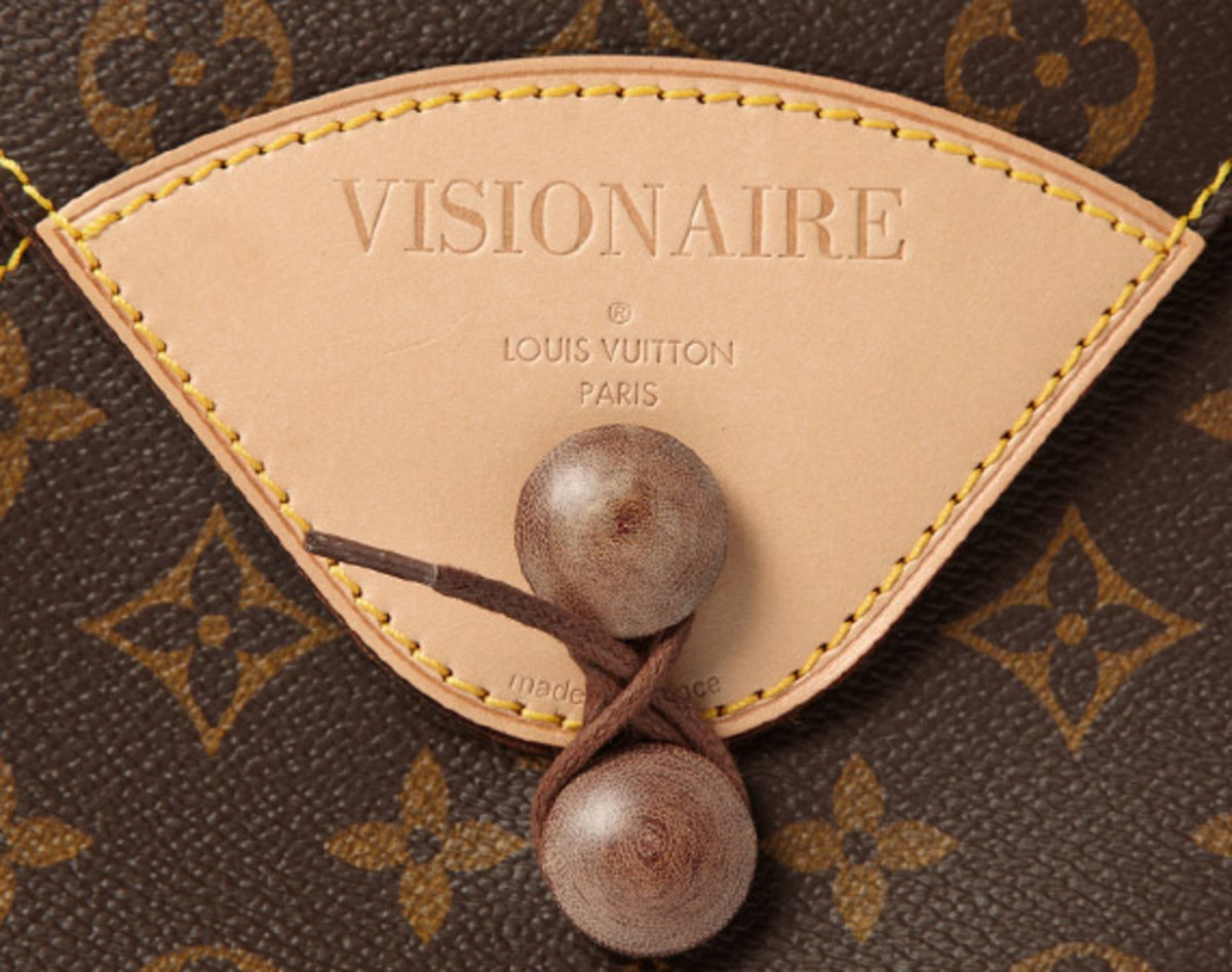visionaire-18-fashion-special-by-louis-vuitton-mr-porter-01