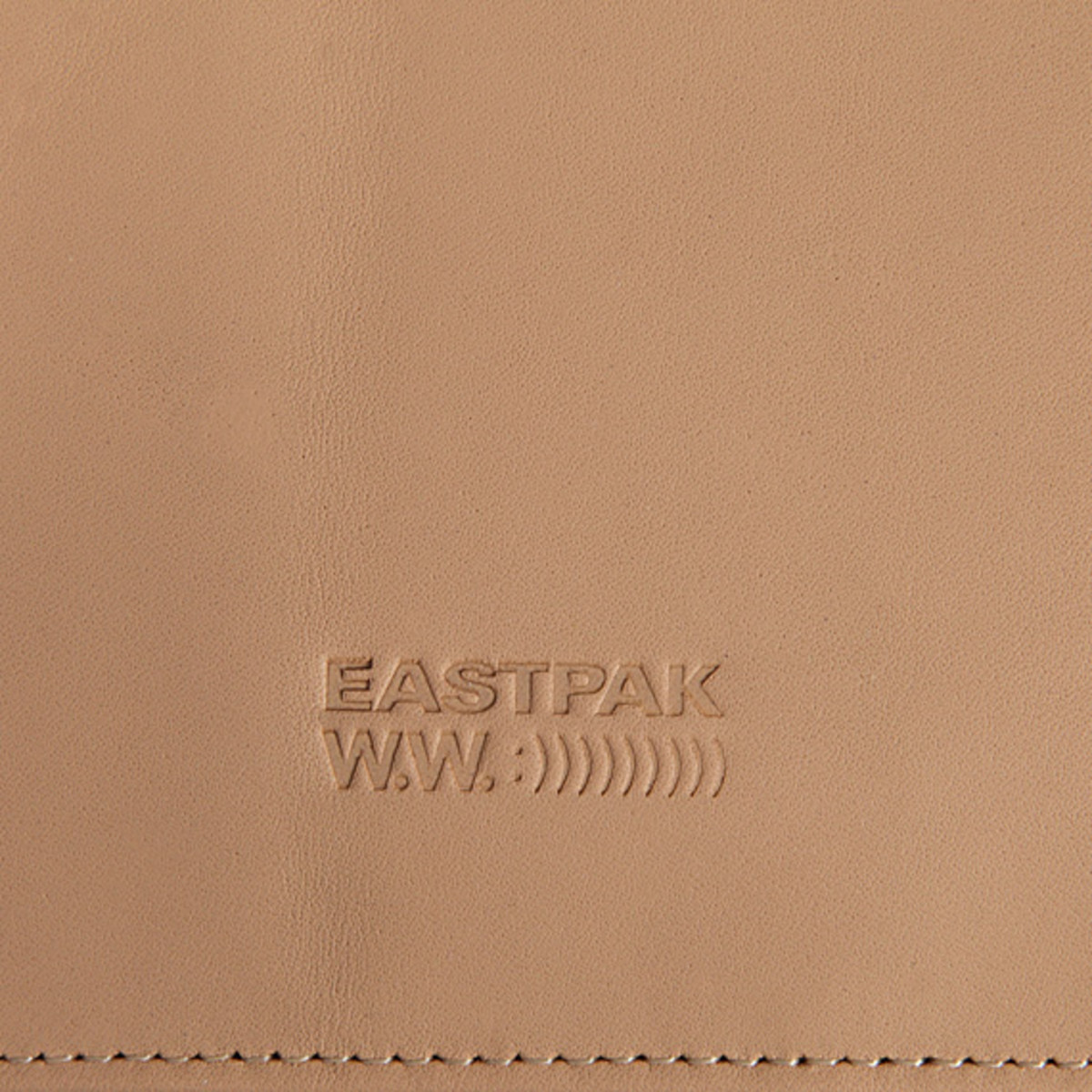 wood-wood-for-eastpak-modulation-accessories-bags-collection-spring-summer-2013-ek870-07