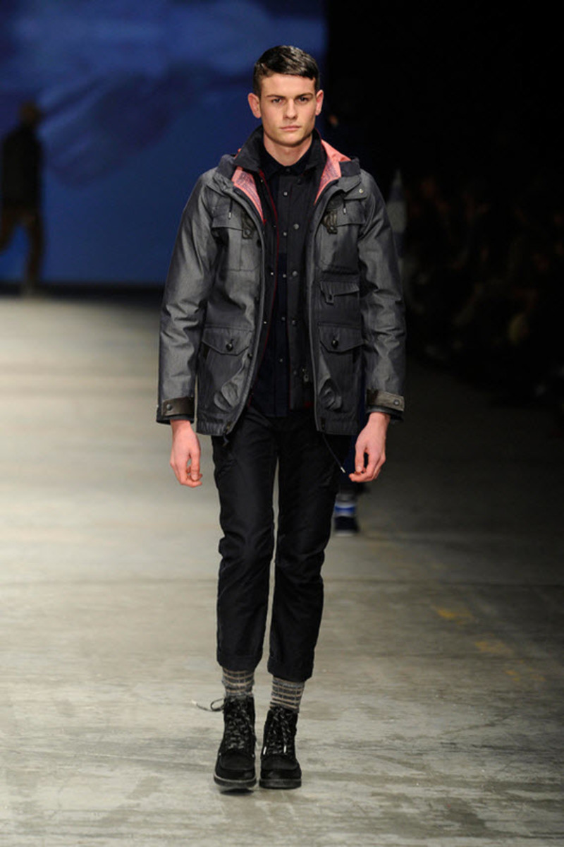 white-mountaineering-fallwinter-2013-collection-runway-show-8