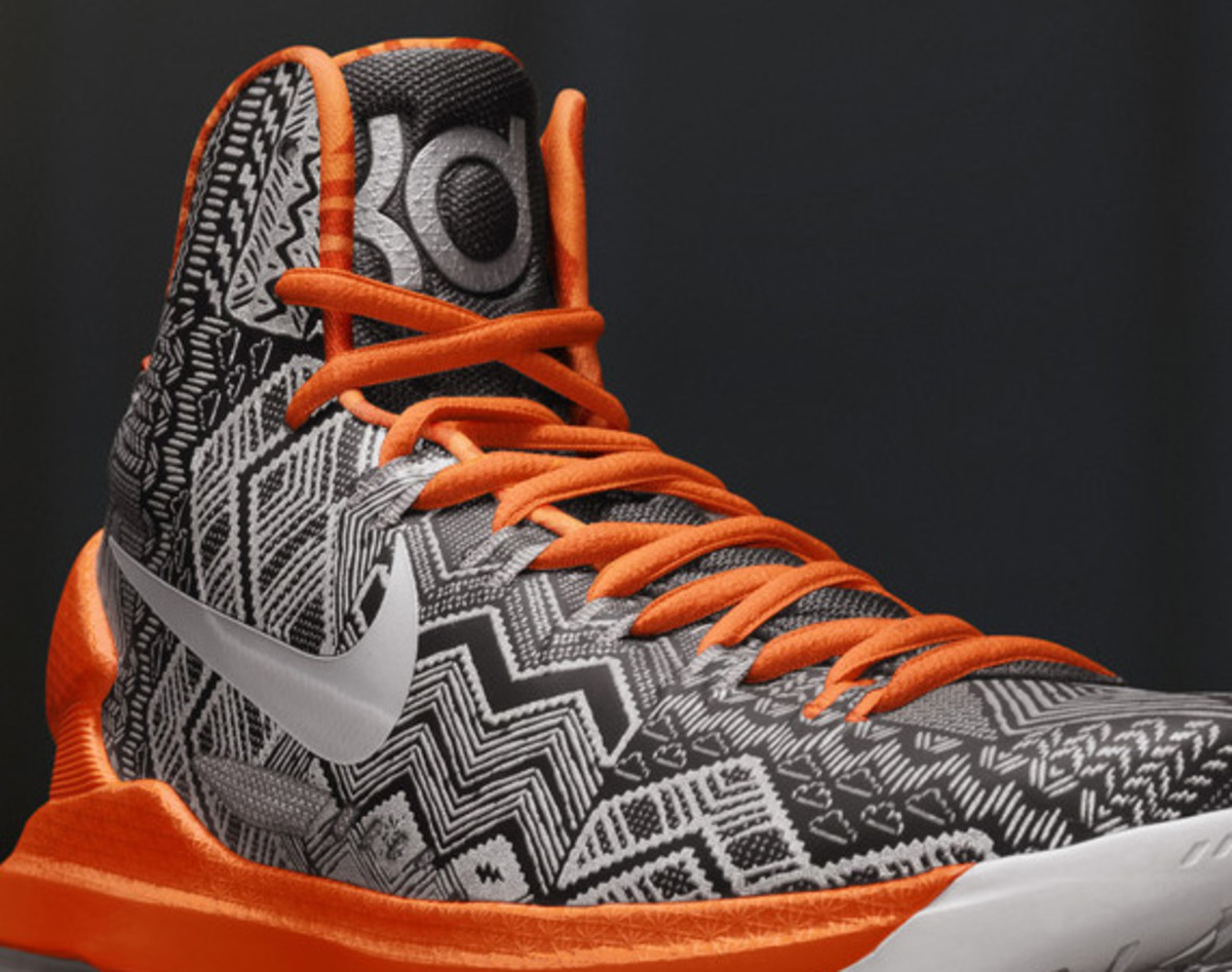nike-basketball-bhm-black-history-month-2013-04