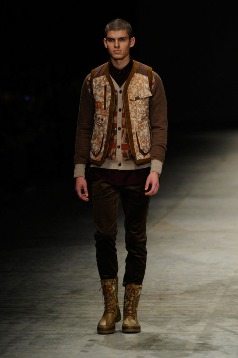 white-mountaineering-fallwinter-2013-collection-runway-show-2