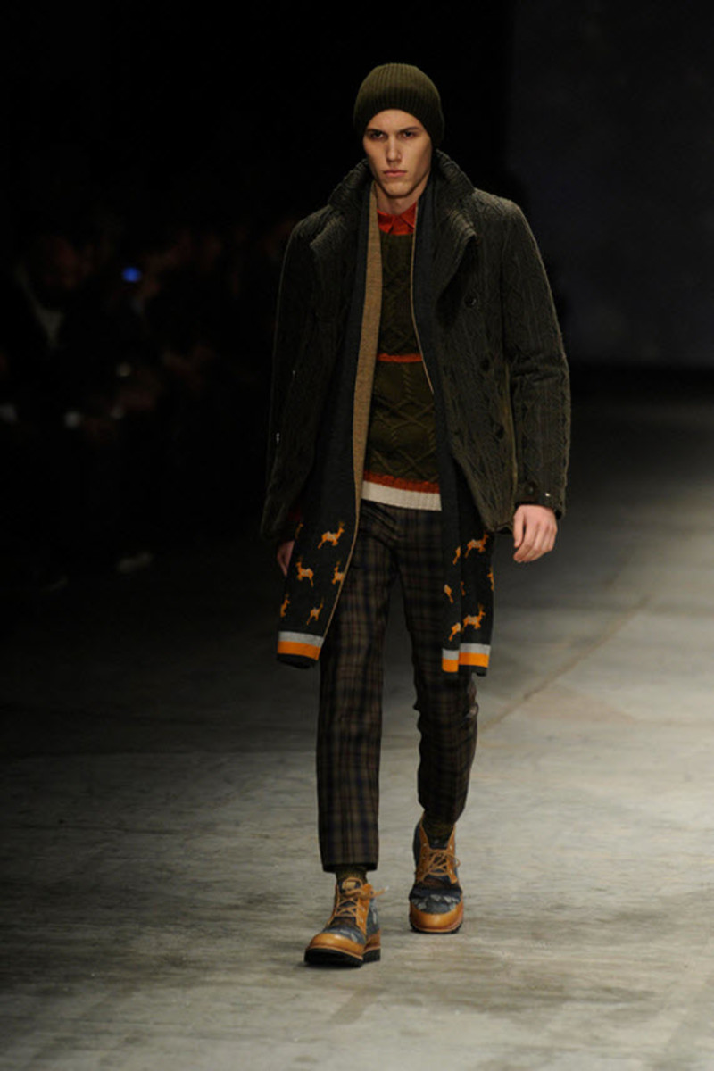white-mountaineering-fallwinter-2013-collection-runway-show-14