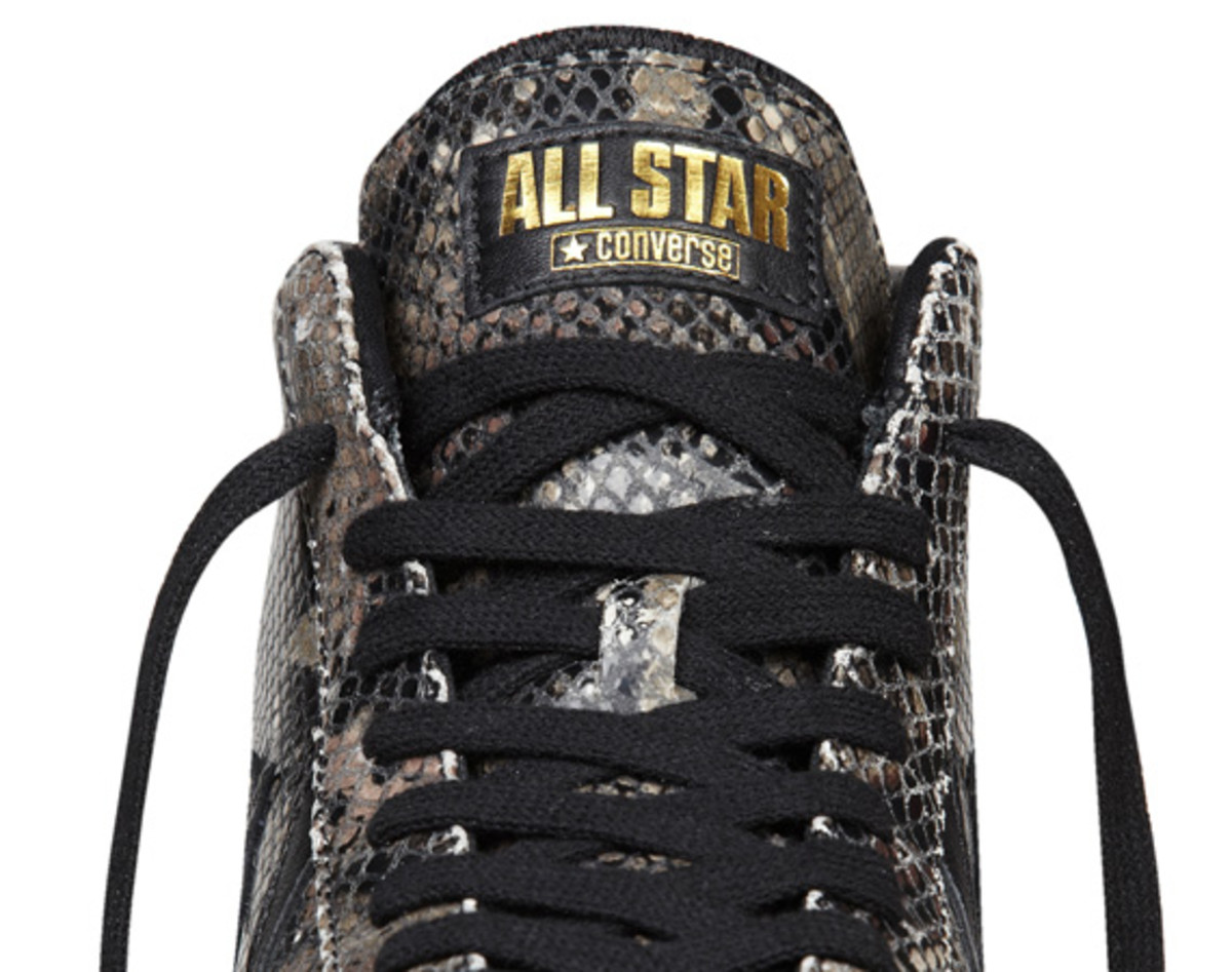 converse-pro-leather-year-of-the-snake-edition-12