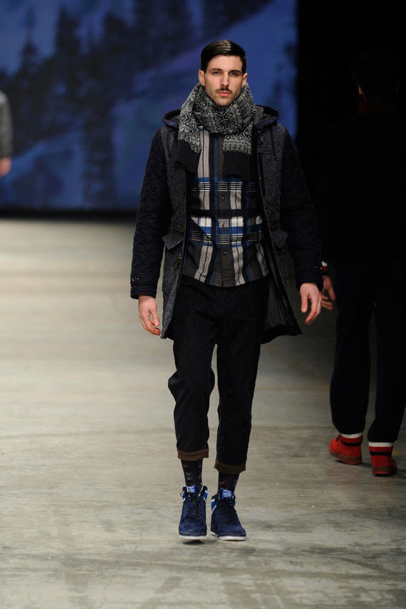 white-mountaineering-fallwinter-2013-collection-runway-show-12