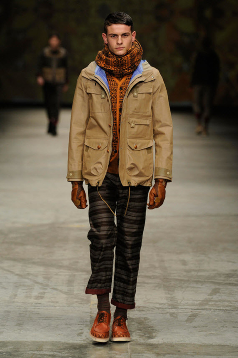 white-mountaineering-fallwinter-2013-collection-runway-show-3