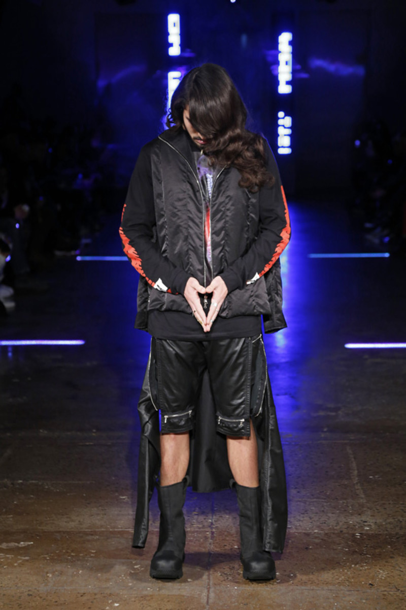 hood-by-air-fall-2013-runway-show-23