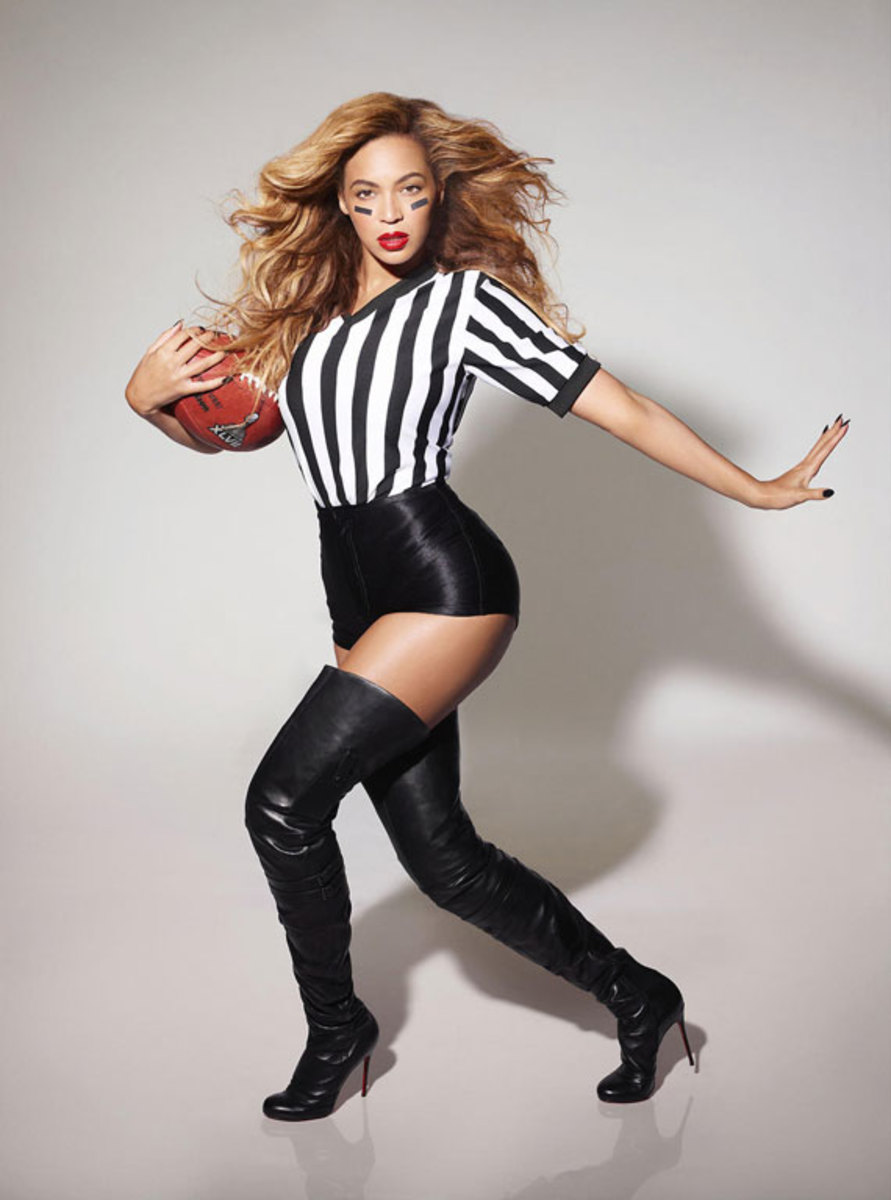 beyonce-superbowl-referee-performance-outfit-02
