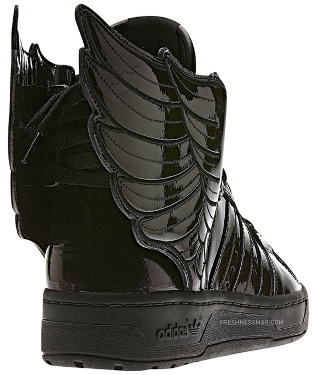 adidas-originals-jeremy-scott-js-wings-2-0-patent-leather-q23668-11
